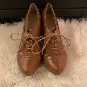 Chelsea Crew lace up ankle booties